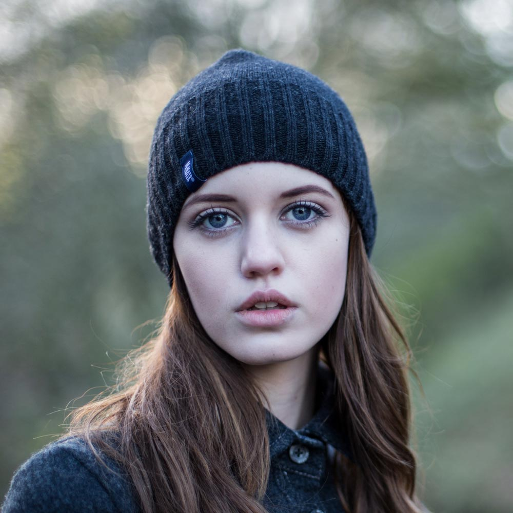 McNair Women's merino hat in charcoal