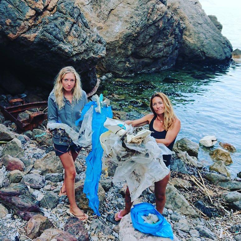 Cat Friend and Valerie Bisbal –beach plastic